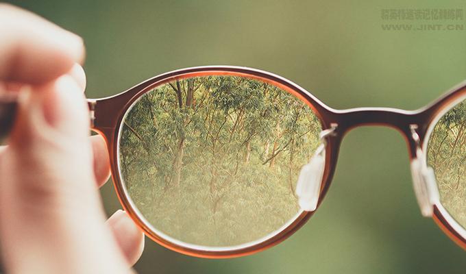 三种简单有效缓解眼睛疲劳的方法