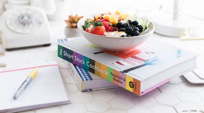 高考是一场实力的较量=扎实的学业知识+合理化饮食