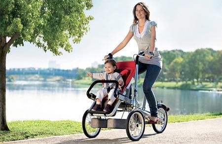 父母要把嬰兒從推車中解放出來,讓他們更自由的活動