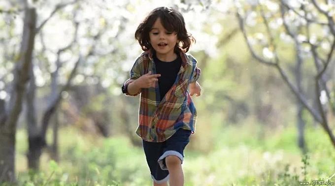 运动让大脑更年轻――发展孩子大脑最好的3个方法:运动、游戏、阅读