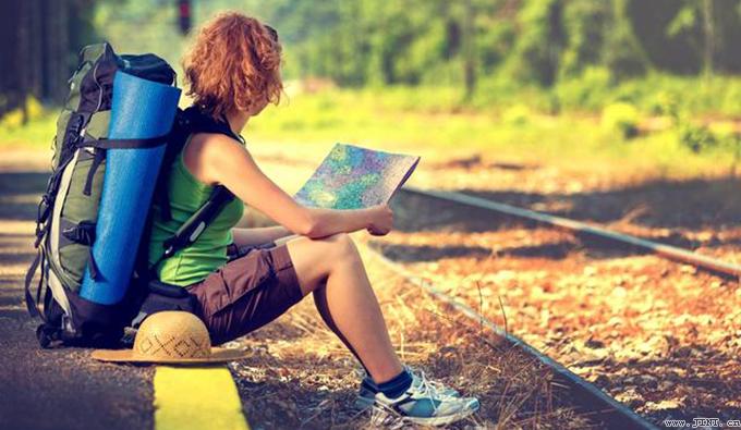 閱讀和旅行就像是人的雙腳,同時發力又交替進行,你才能走得更遠,走得更久,才能讓精神和身體都在路上。