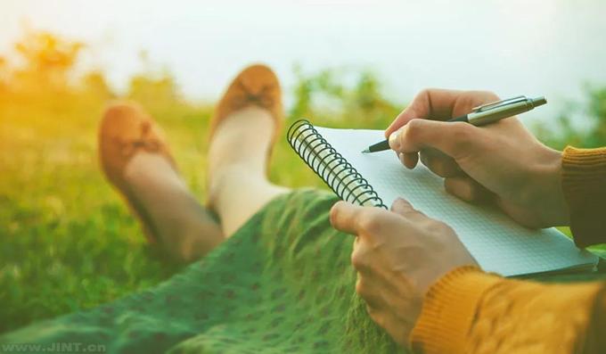 想象速读练成后,一目十行过目不忘的阅读场景。