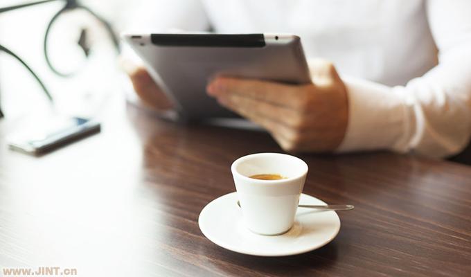 咖啡因能提高人的思維敏銳度及警覺性