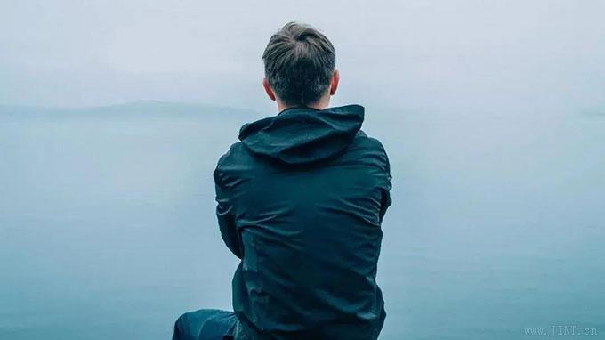 把自己的精神集中在一個事物上,減少心中雜念,注意力會越來越集中。