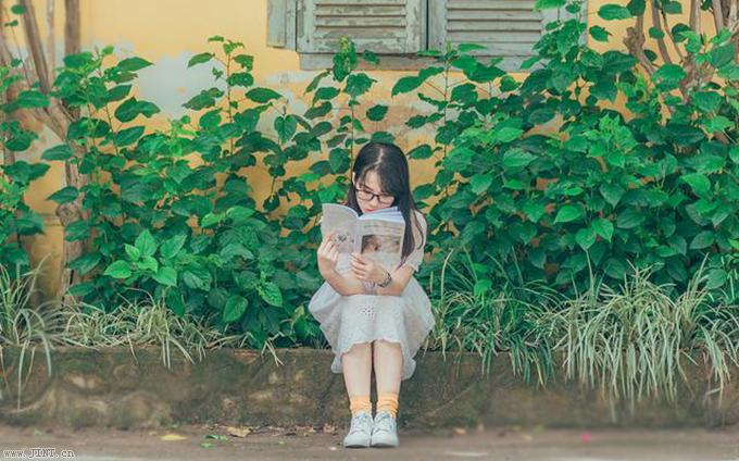 大多數孩子在語文學習中存在:閱讀速度慢、閱讀量小、注意力不集中等現象。