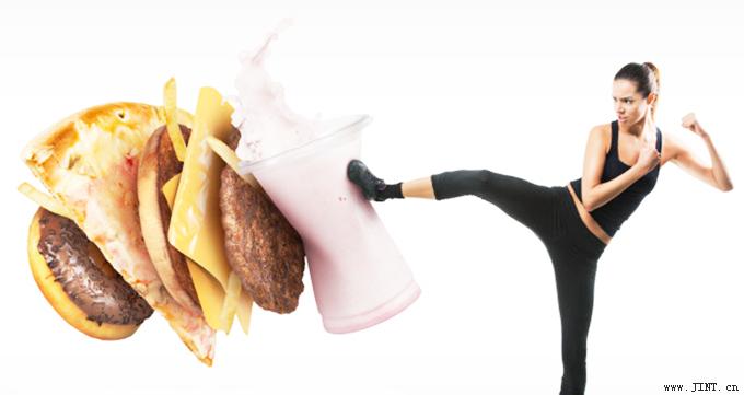 增强记忆力,保持好身材要远离含有大量的反式脂肪以及精制碳水化合物的食物。