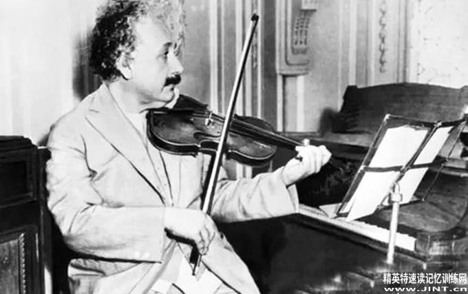 我经常用音乐来思考,音乐会让我做白日梦。我从音乐的角度看待我的生活,同时我知道我生命中最大的乐趣来自于我的小提琴。